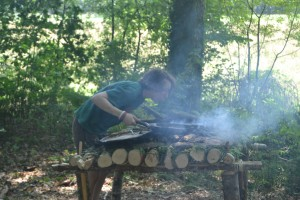 Cuisine sur feu de bois